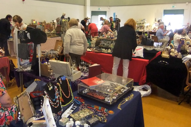 East Sheen antiques and collectors market