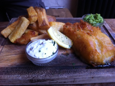 fish & chips, handcut chips, tartare sauce, The Alice House, Queens Park, London, bar, restaurant, lunch, toddler group