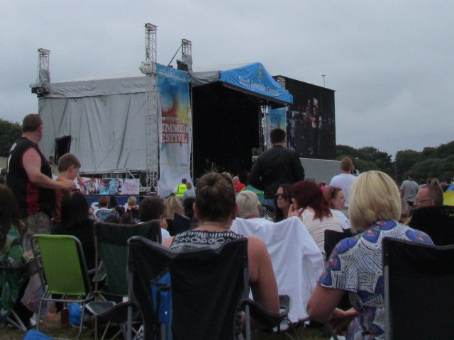 Crowds enjoy The South concert