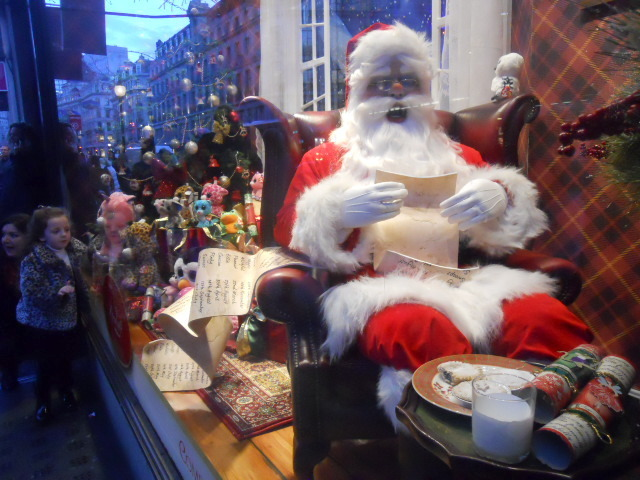 hamleys, santa claus, father christmas, shop window