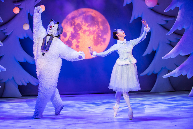 The snowman, mayflower theatre, birmingham repetory theatre, the snowman on stage