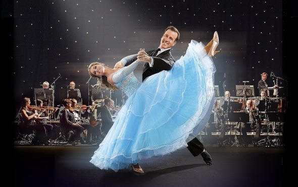 Anton and Erin, swingtime, strictly dancers