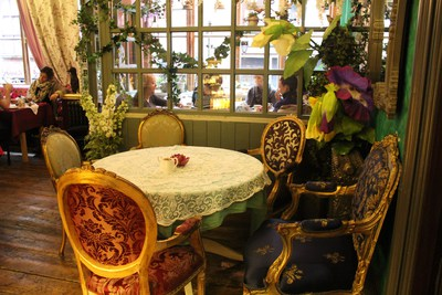 tearoom; tea; coffee; cake; Richmond tearooms; Alice in Wonderland