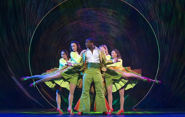 wonderland musical, Birmingham, UK tour, New Alexandra Theatre, review, Weekend Notes