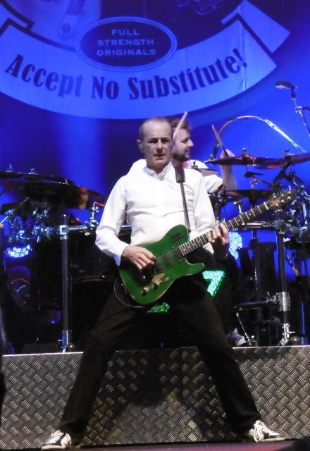 Status Quo, Francis Rossi, Rick Parfitt, John Rhino Edwards, Leon Cave, Richie Malone, Andy Bown, Civic Hall Wolverhampton
