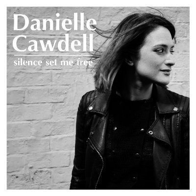 Danielle Cawdell, Kitchen Garden Cafe Kings Heath Birmingham, Silence Set Me Free, Rebecca de Winter, Dan Whitehouse, Album Launch, Singer Songwriter