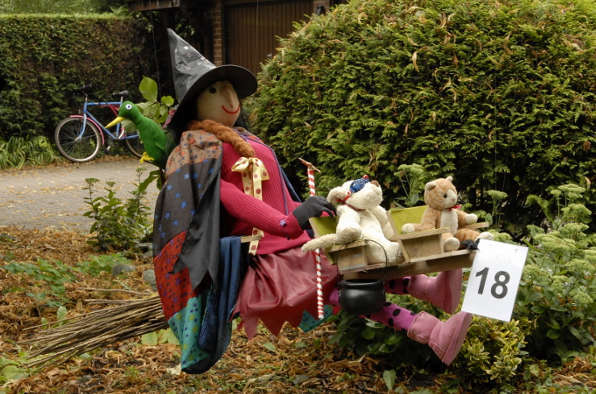 Elford Scarecrow Festival, scarecrows, Elford Parish Council, River Tame