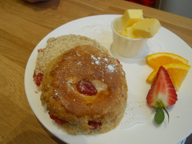 grange over sands, grange, hazelmere cafe and bakery, tearoom, cherry scone