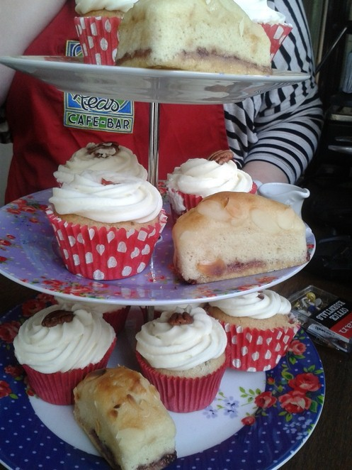 Cherry Reds, cafe, bar, cupcakes, vegan,