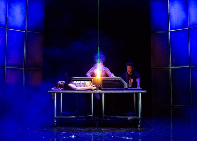 Impossible, magic, illusion, show, theatre, uk tour, Birmingham New Alexandra Theatre