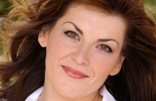 Jodie Prenger, Shirley valentine uk tour review, 30th anniversary