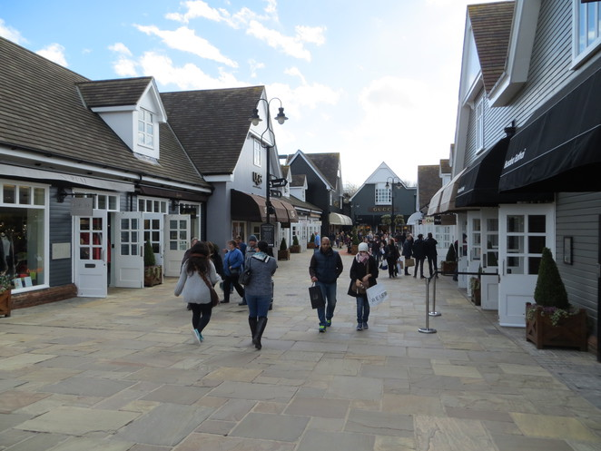 bicester, villge, outlet, shopping