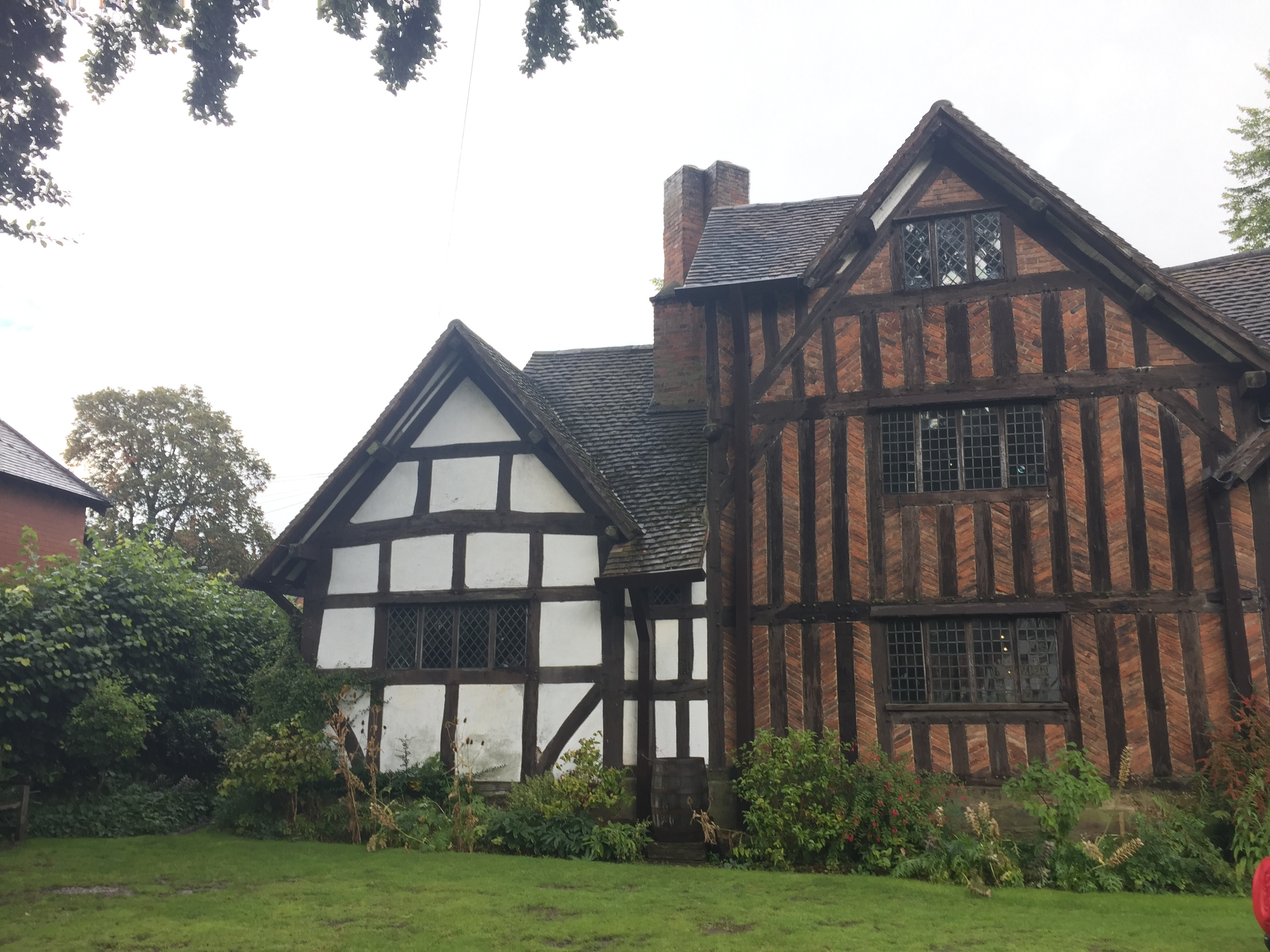 Selly manor tudor house birmingham for Tudor house