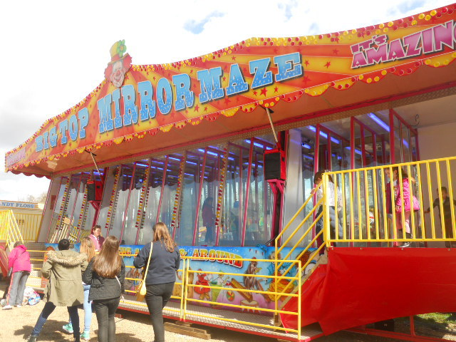 clapham common, theme park, fun fair, mirror maze