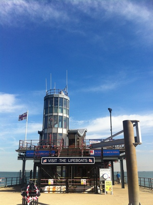 southend pier, pier, pleasure pier, longest pier, southend-on-sea pier, southend lifeboats, lifeboat
