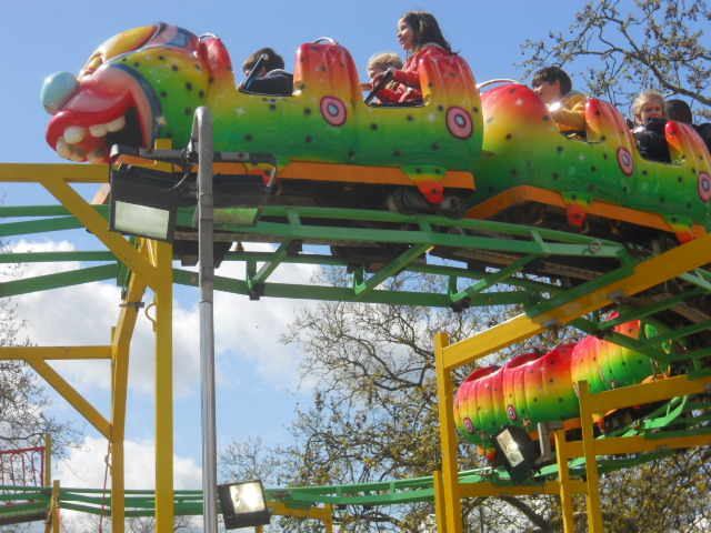 clapham common, theme park, fun fair, crazy caterpillar