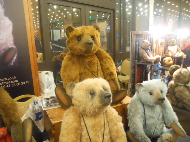 hugglets, winter bearfest, bisson bears