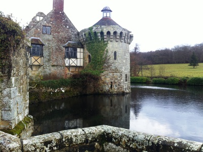 scotney castle, castle national trust, national trust scotney castle, tunbridge wells scotney castle, scotney castle mansion, scotney caslte history, castles in england