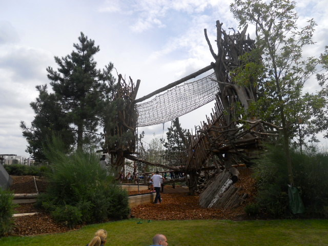queen elizabeth olympic park, timber playground
