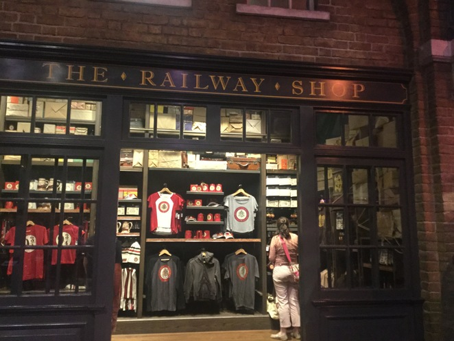 Warner Bros. Harry Potter Studio Tour, Leavesden Studio, gift shop, railway shop