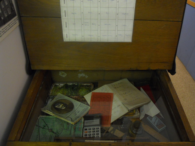 wimbledon society museum, school desk