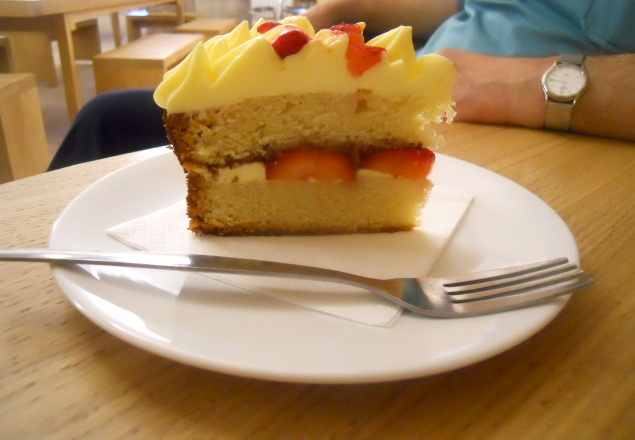 christ church spitalfields, cafe in the crypt, strawberry cake