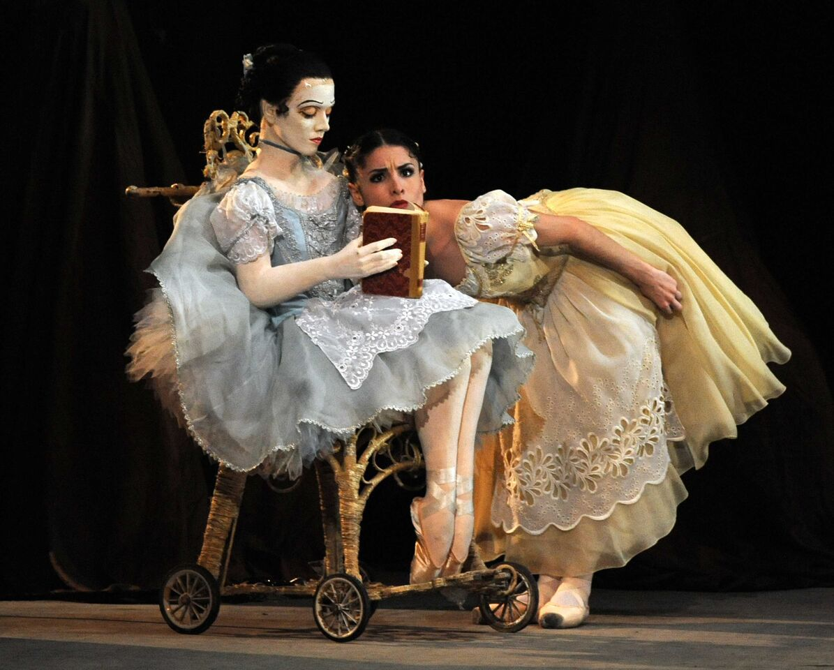 ballet critique A ballet is a kind of performance dance that started in the italian renaissance courts during the 15th century.