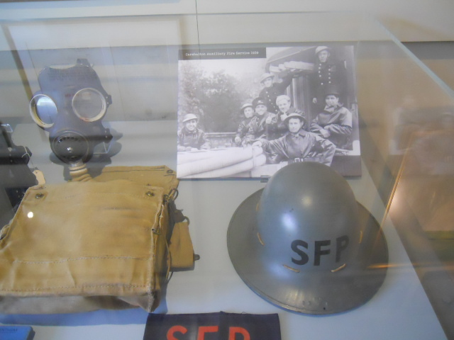 honeywood museum, world war two, gas mask, helmet