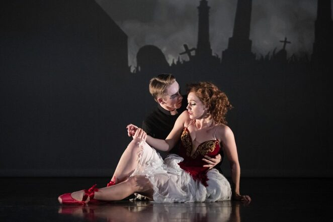the red shoes, ballet, birmingham hippodrome, matthew bourne